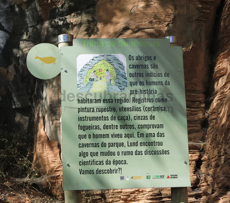 placa da trilha do sumidouro parque estadual do sumidouro mg