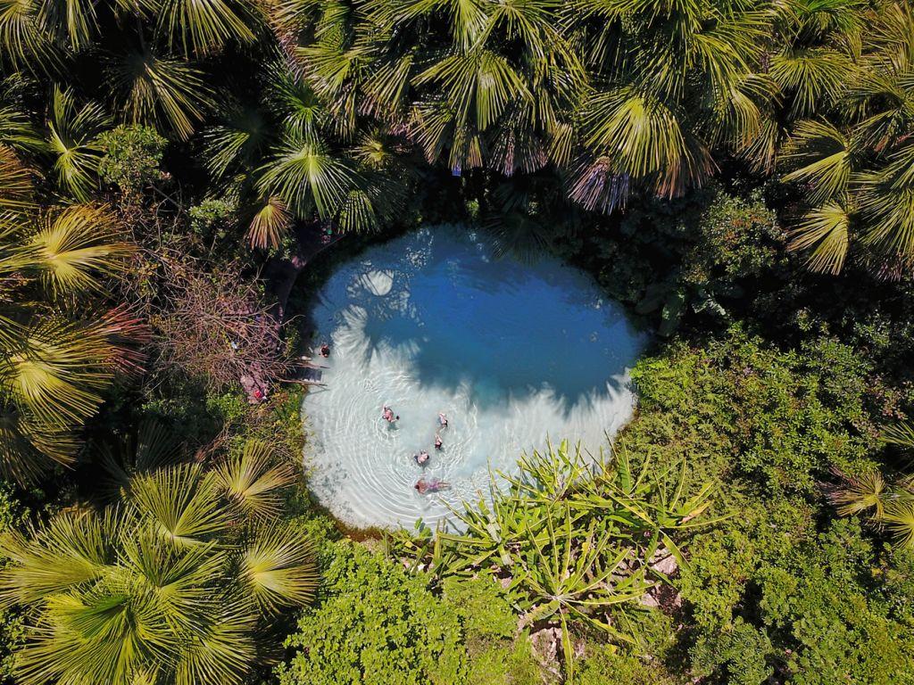 A imagem contém: Fervedouro Bela Vista, Jalapão